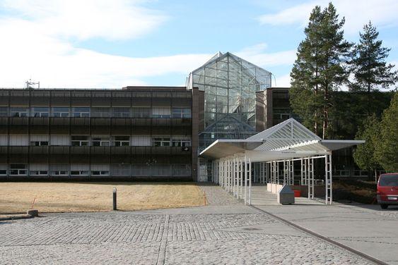 På IBMs norske hovedkontor, på Mastemyr utenfor Oslo, blir det i disse dager delt ut frivillige sluttpakker til utvalgte ansatte.