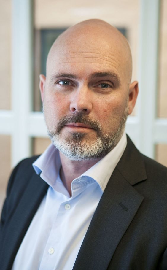 Kristian af Sandeberg i DRI praktiserer «nearsourcing».