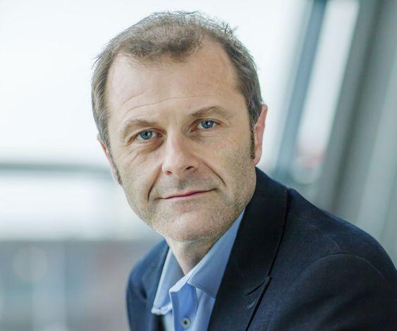 - Vi siktet for bredt med Telenor Digital Services, erkjenner informasjonssjef Atle Lessum.