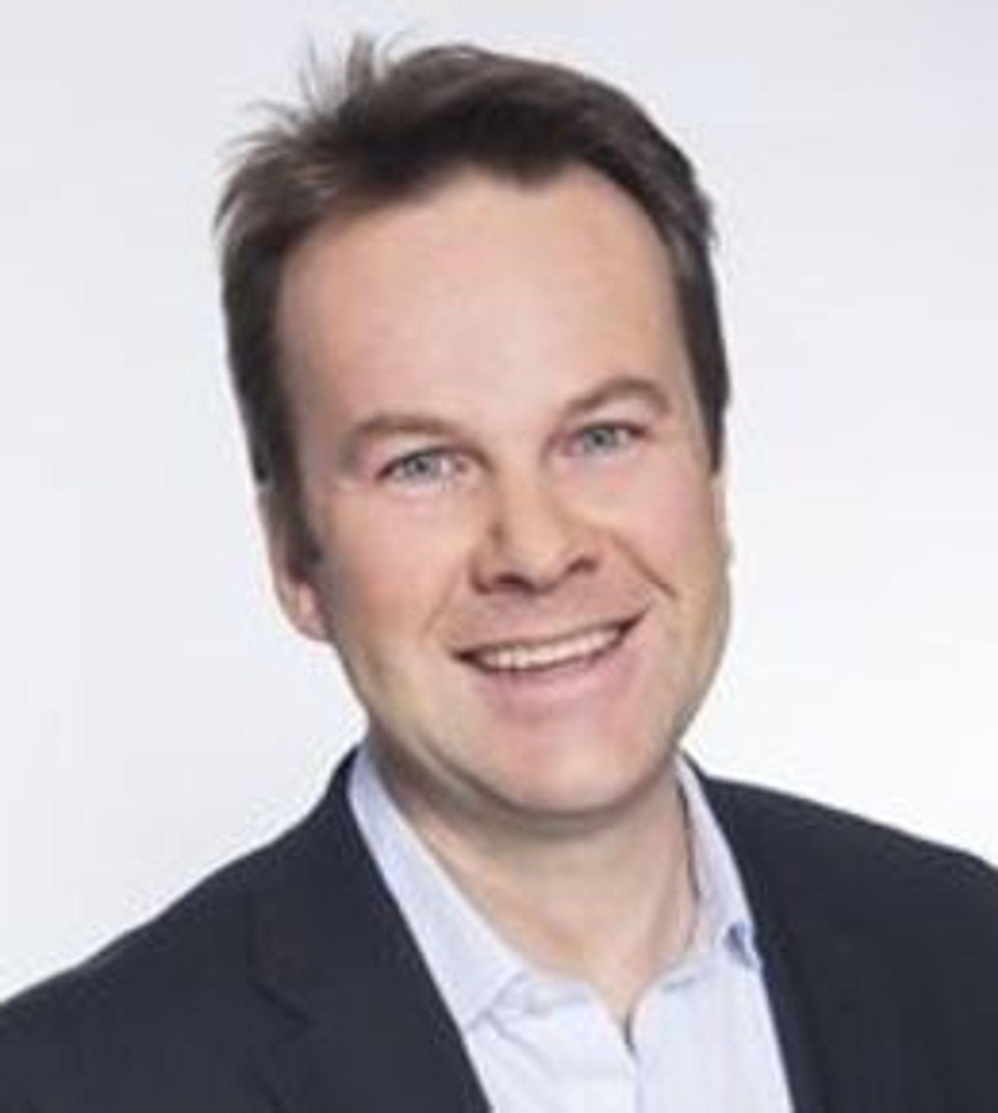 Henning Lunde er direktør for PR og samfunn i Tele2s norske virksomheter.