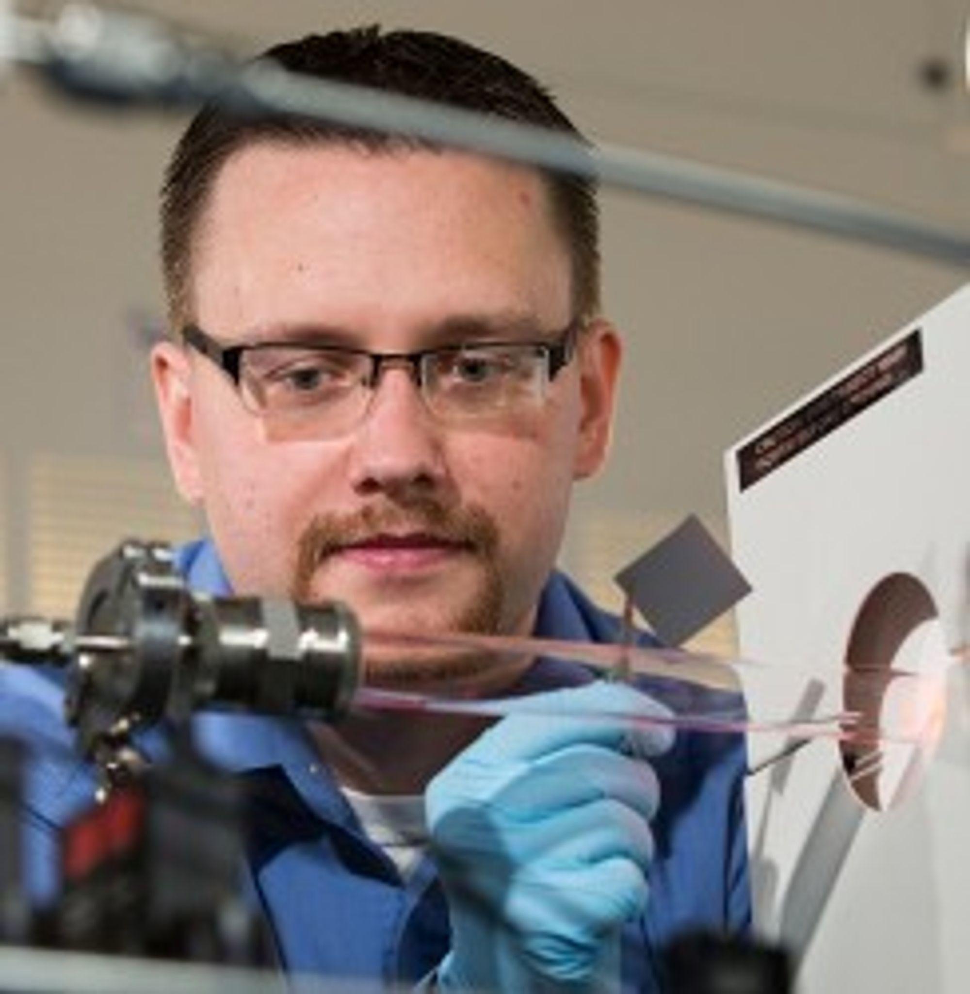 Cary Pint er forskeren som har ledet utviklingen av den nye, silisiumbaserte superkondensatoren.