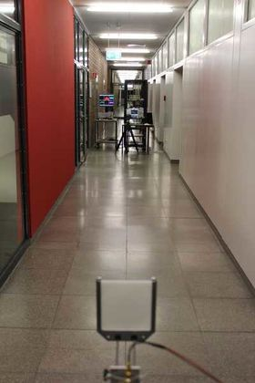 Bildet viser avstanden mellom sender og mottaker under eksperimentet.
