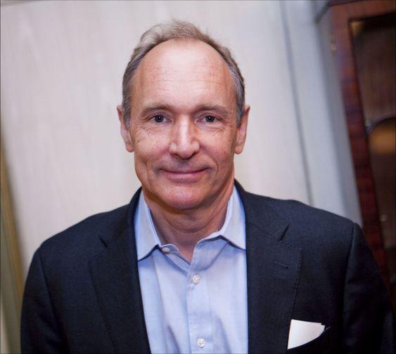 Tim Berners-Lee er initiativtaker til den nye alliansen. Han har fått med seg blant annet IT-giganter som Cisco, Facebook, Google og Microsoft for å presse fram lavere priser på bredbånd, særlig i utviklingsland.