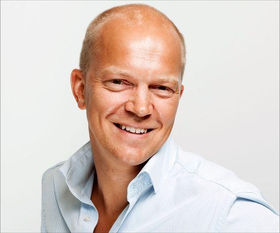 Viseadministrerende direktør, Andreas Hisdal, forteller at de hadde mellom 50 og 100 teknikere i sving for å løse de store problemene i helgen.