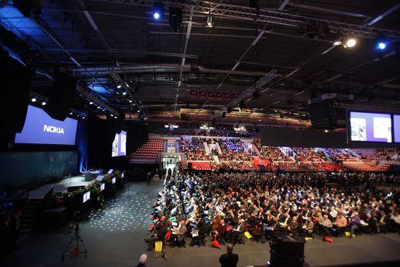 Over 5 000 finner stilte opp på gårsdagens generalforsamling tirsdag.