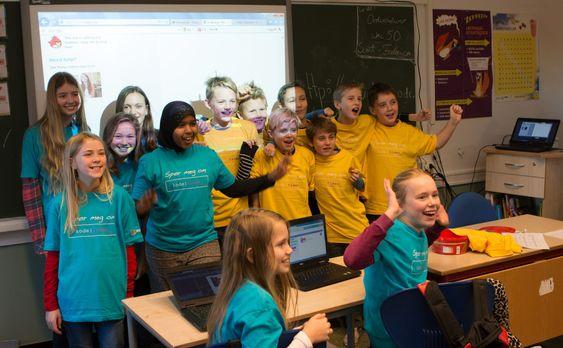 Klasse 7b fikk en time med programmering og snop. Det var populært.