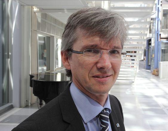 Statssekretær Paul Chaffey (H) er ikke enig i metoden som KS legger opp til for bedre samspill om IT-tiltakene.