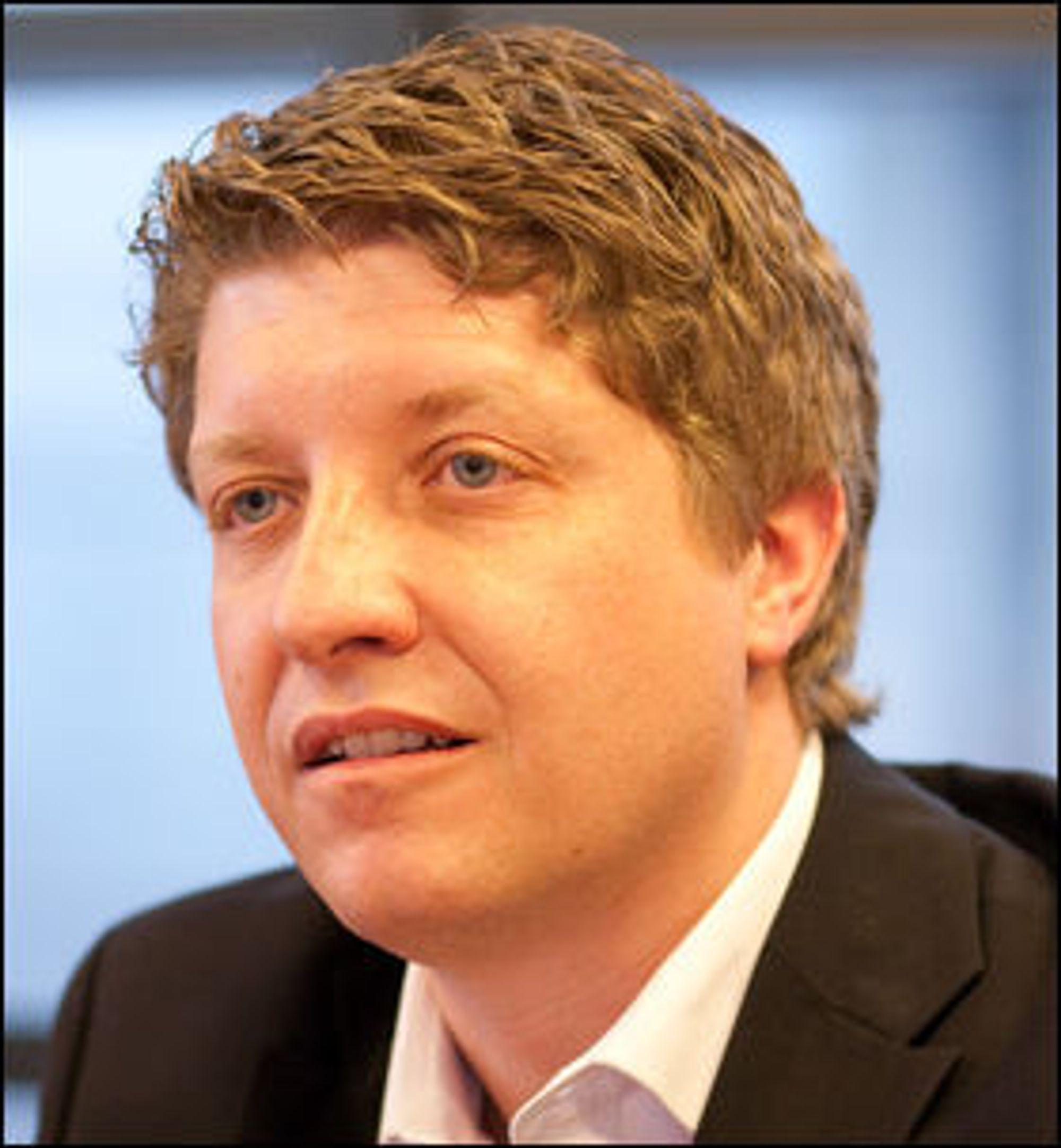 Teknologidirektør i Telenor Norge, Frode Støldal, sier at Longyearbyen trolig er stedet i Norge med høyest konsentrasjon av infrastruktur.