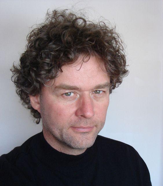 Professor Gunnar Liestøl ved Universitetet i Oslo forsker på blant annet mobil-basert utvidet virkelighet.