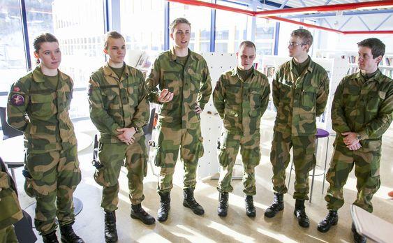Etter endt ingeniørutdannelse vil denne gjengen mest sannsynlig måtte forsvare Norges interesser i operasjoner i utlandet.