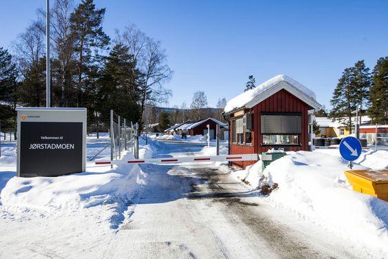 Folketomt og stille på Jørstadmoen leir denne februardagen.