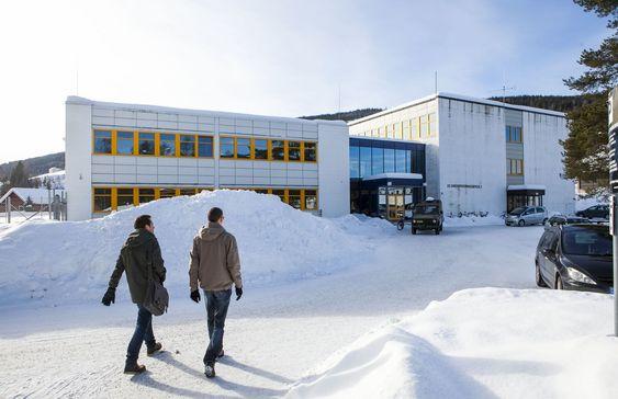 Forsvarets ingeniørhøgskole inne på Jørstadmoen leir. Her utdanner de landets kyberbefal.