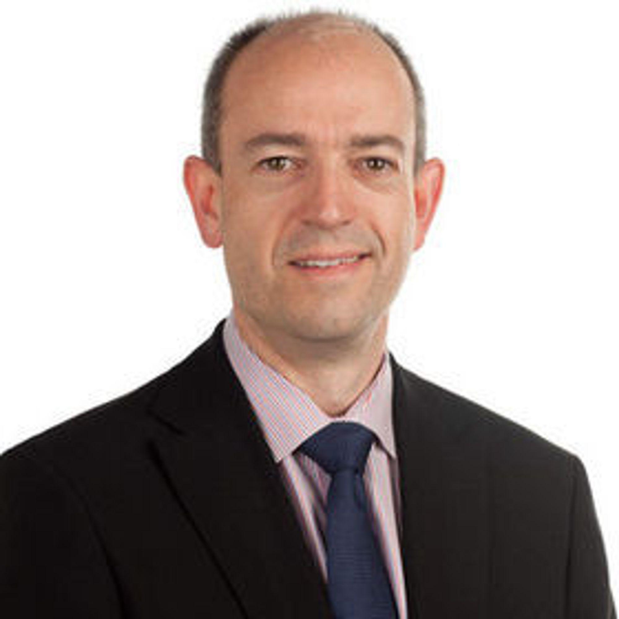 ARM-president Simon Segars overtar direktørstolen etter Warren East den 1. juli i år.