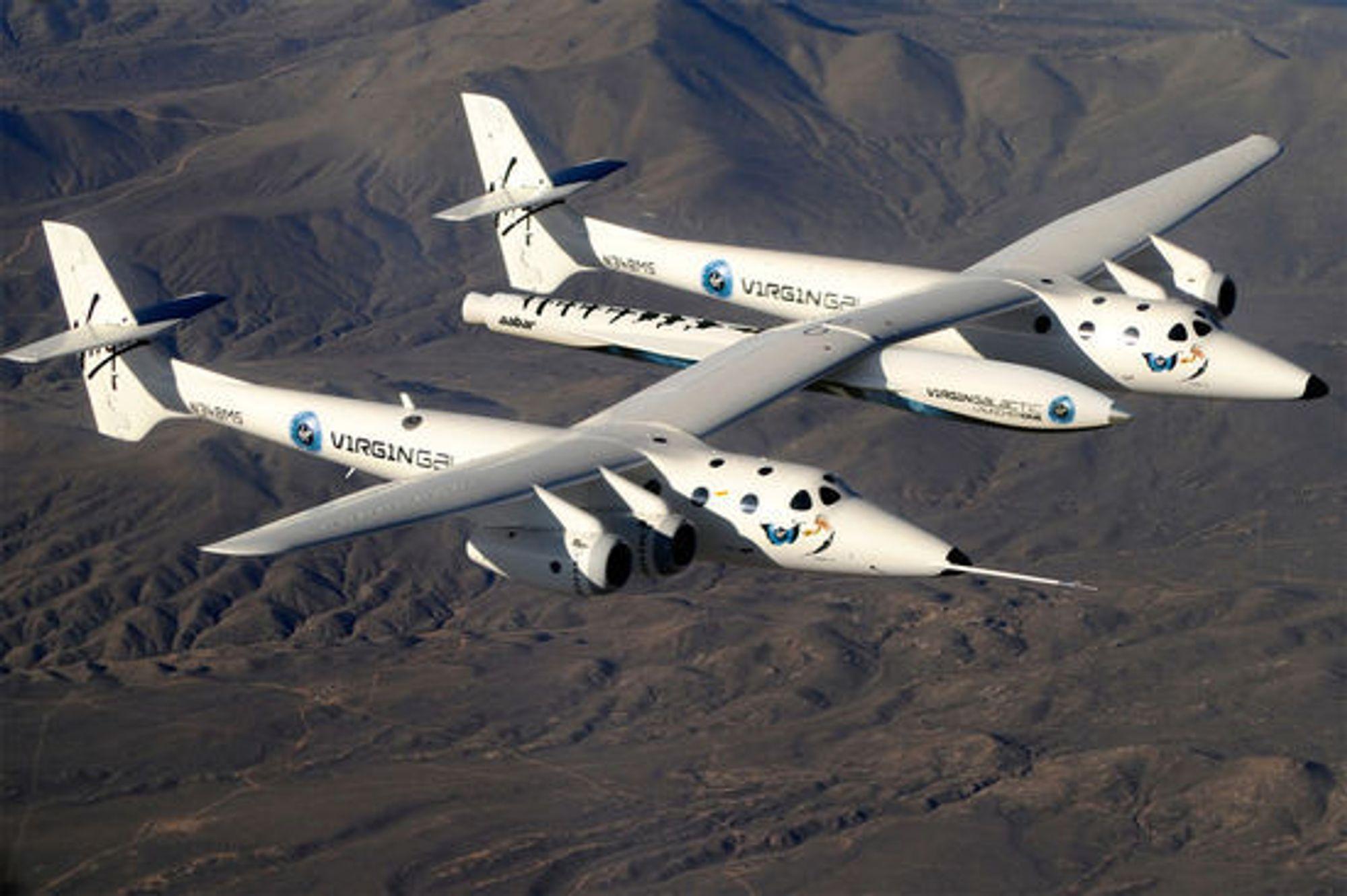 Virgin Galactics LauncherOne, fraktet opp i starthøyde av flyet WhiteKnightTwo.