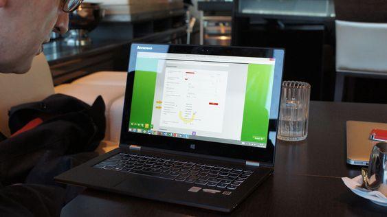 Dokumenter og skjemaer kan sendes frem og tilbake med kommentarer og annotasjoner, i samme videostrøm.