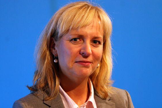 Holder foreløpig prisene på samme nivå. Microsoft Norge og kommunikasjonsdirektør Christine Korme.