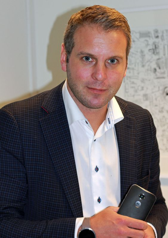 Lenovo-sjef i Norge, Anders Lersveen, har som mål å selge mange Motorola-mobiler i Norge.