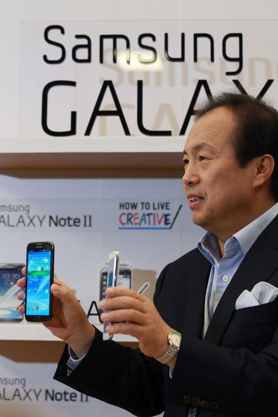 Samsungs mobil-toppsjef, J.K. Shin, bekreftet søndag at de vil lansere en nytt flaggskip til Galaxy S-serien 14. mars. Lanseringen vil skje i New York, hvor den første Galaxy S-telefonen ble vist frem for tre år siden.