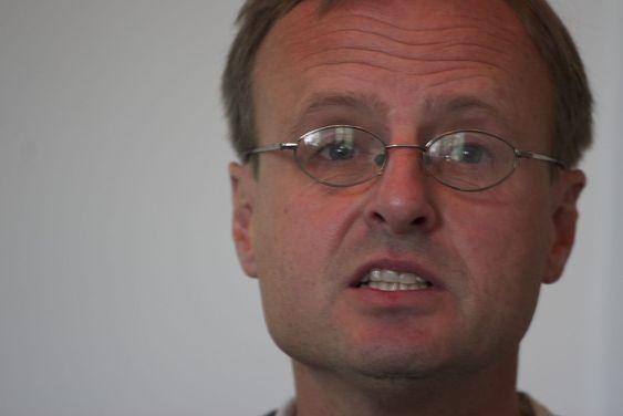 S-en i .sj kan jo stå for Snowden, sier Håkon Wium Lie.