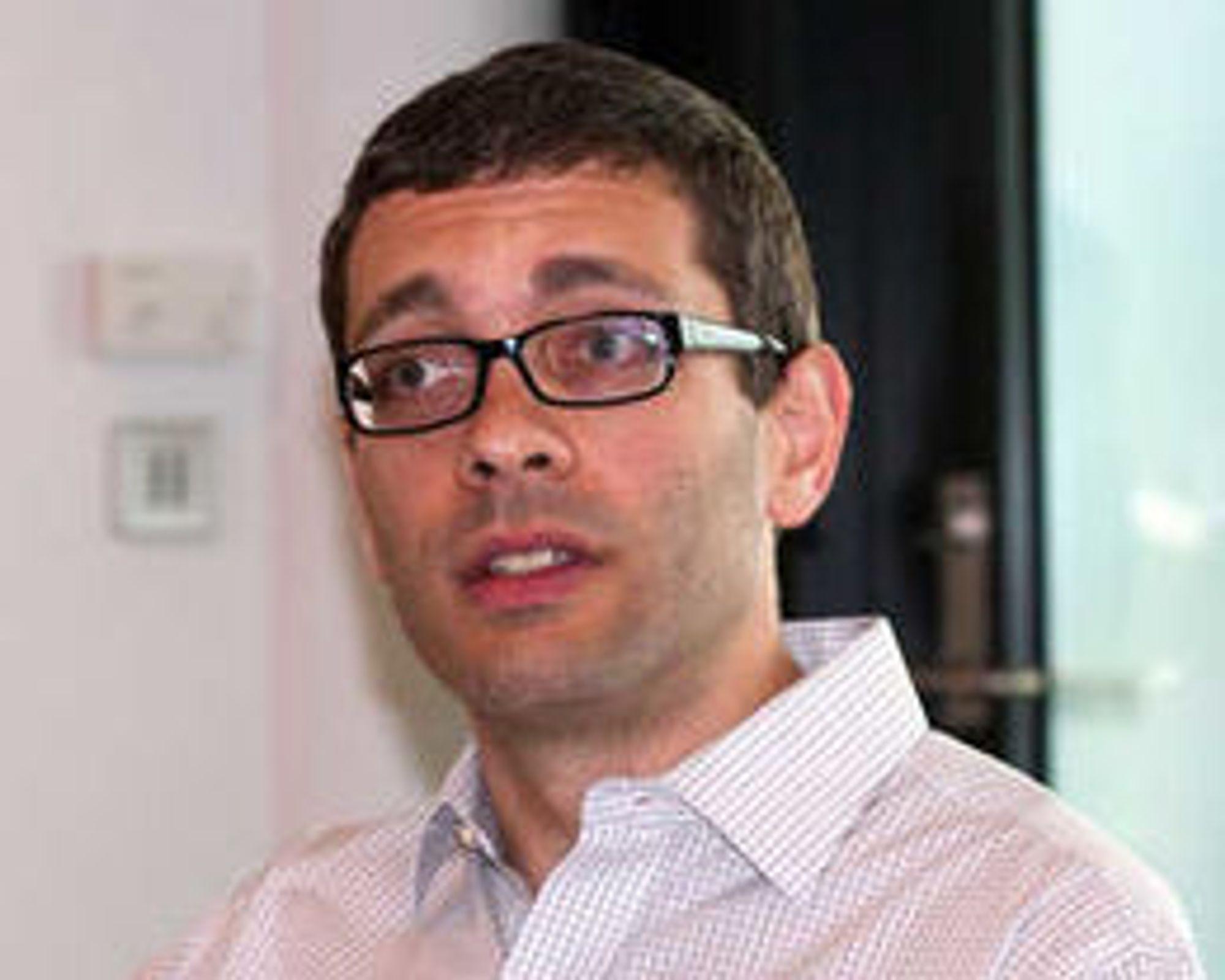 Mozilla ble tvunget til å innføre DRM-støtte i nettleseren, forklarer Andreas Gal (bildet).