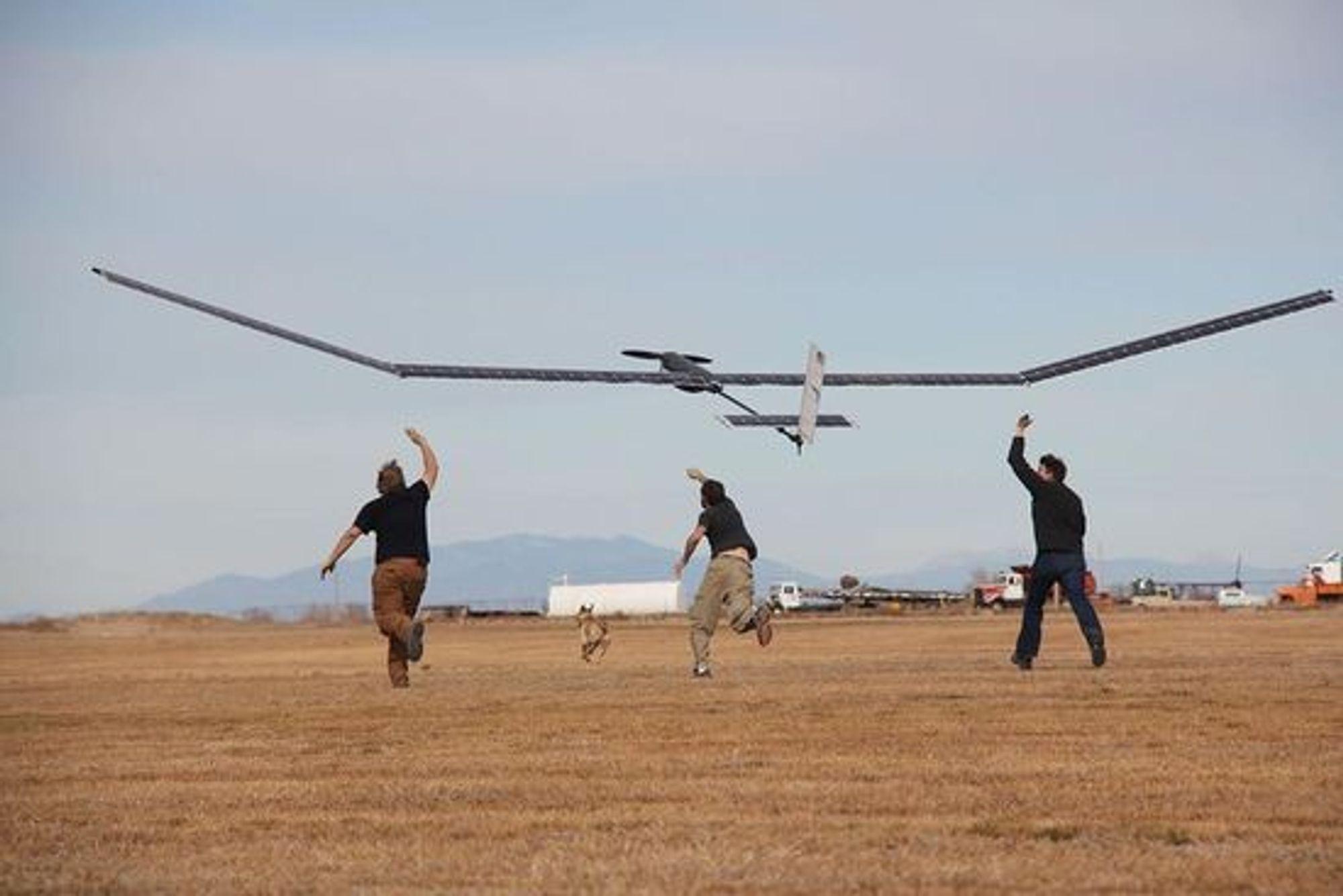 I forsøk som Facebook var vitne til, skal Titans prototyp ha greid å holde seg i 400 fots høyde noen få minutter.