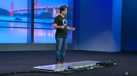 Joe Belfiore fikk æren av å demonstrere Windows-pianoet.