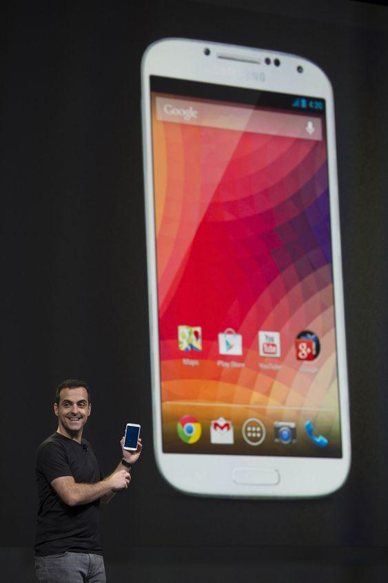 Hugo Barra viste fram en Samsung Galaxy S 4 med standard Android-installasjon, men hadde ellers mest å fortelle til utviklere.