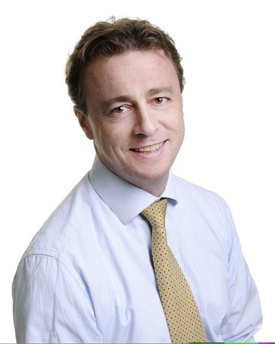Knut Olav Irgen Høeg er innkjøpsdirektør i Storebrand. Han forteller at bankens kunder vil få mer funksjonalitet med den nye leverandøren enn det Evry tilbyr i dagens leveranse. Dette og lavere kostnader er grunnen til at de byttet.
