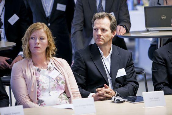 Linn Dyveke Wilberg i musikktjenesten Beat og Rolf Assev fra oppstartsselskapet WeWantToKnow var blant de utvalgte da Trond Giske ville ha råd fra bransjen.