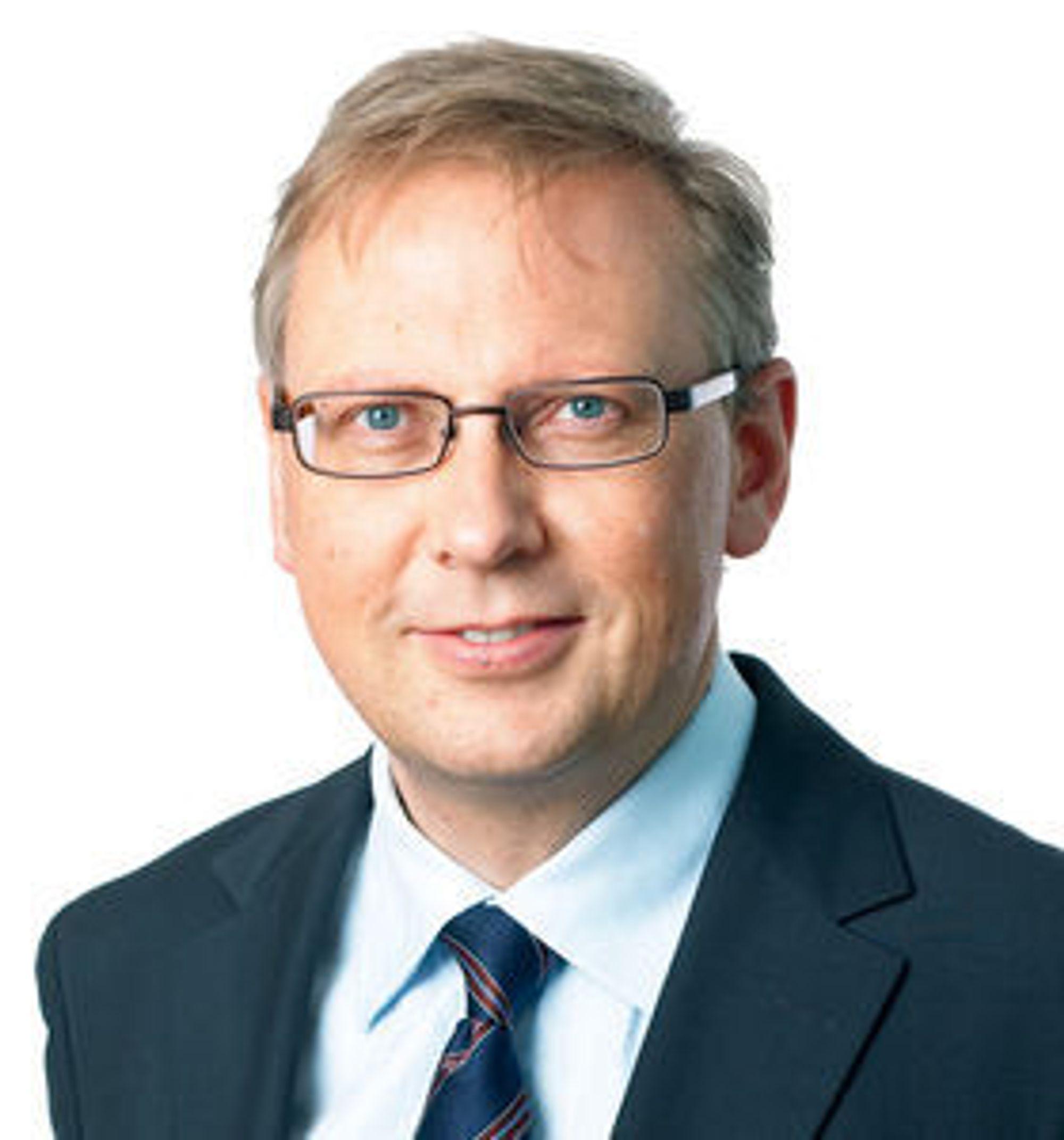 Kommunikasjonsdirektør Geir Remman i Evry vil foreløpig ikke trekke noen endelige konklusjoner om hvorfor selskapet på nytt opplever systemsvikt.