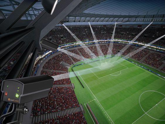 GoalControl 4G-systemet tar i bruk syv høyhastighetskameraer på hver banehalvdel til å beregne posisjonen og farten til ballen når den er innenfor 16-meteren.
