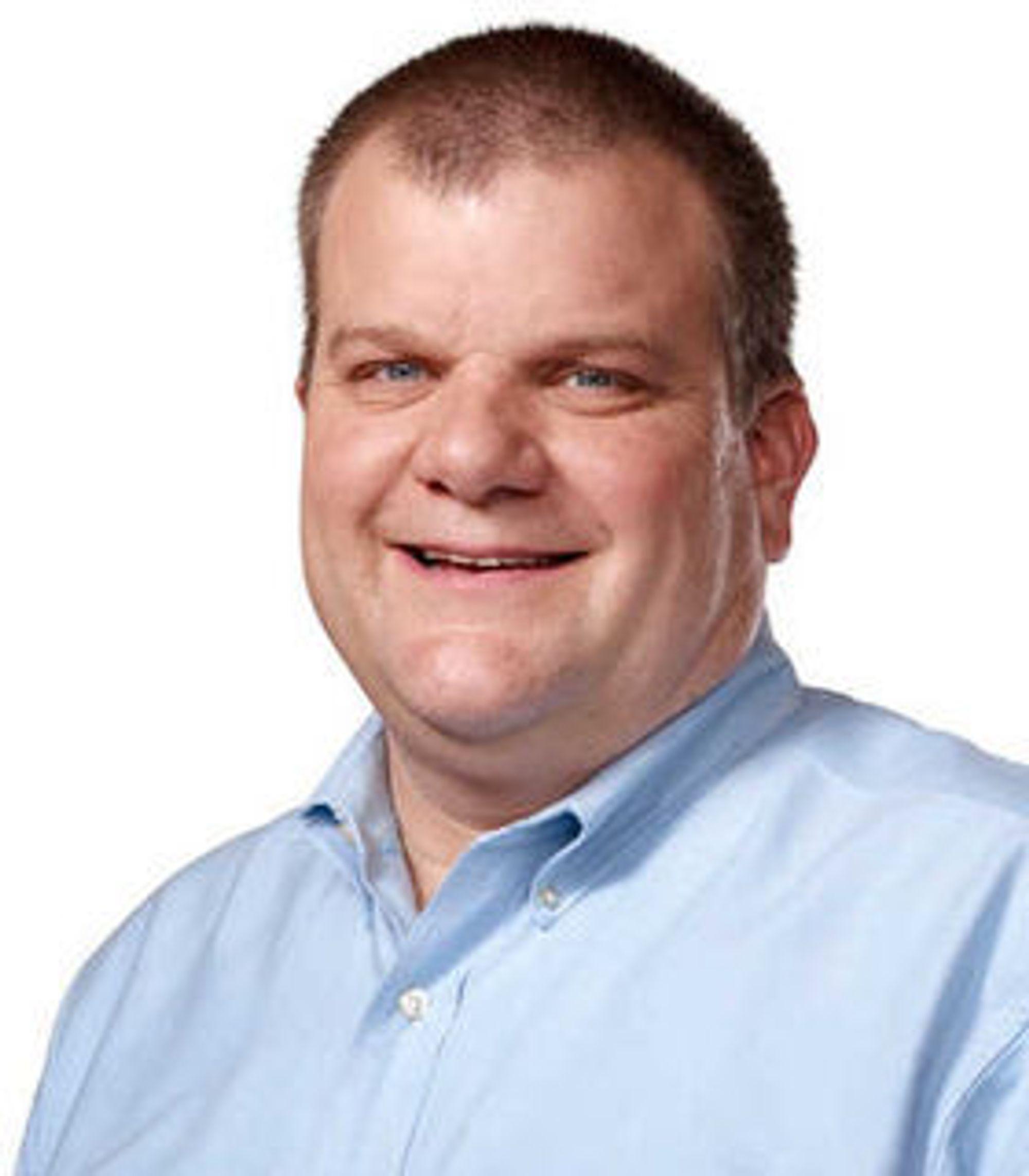 Bob Mansfield fikk 2 millioner dollar i måneden for å komme tilbake til Apple i fjor høst. Nå er han ute av toppledelsen i selskapet.