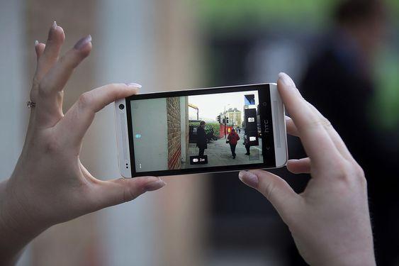 HTC One har fått gode anmeldelser i fagpressen - men det holder ikke for kriserammede HTC som nå er den 9. største mobilaktøren i verden.