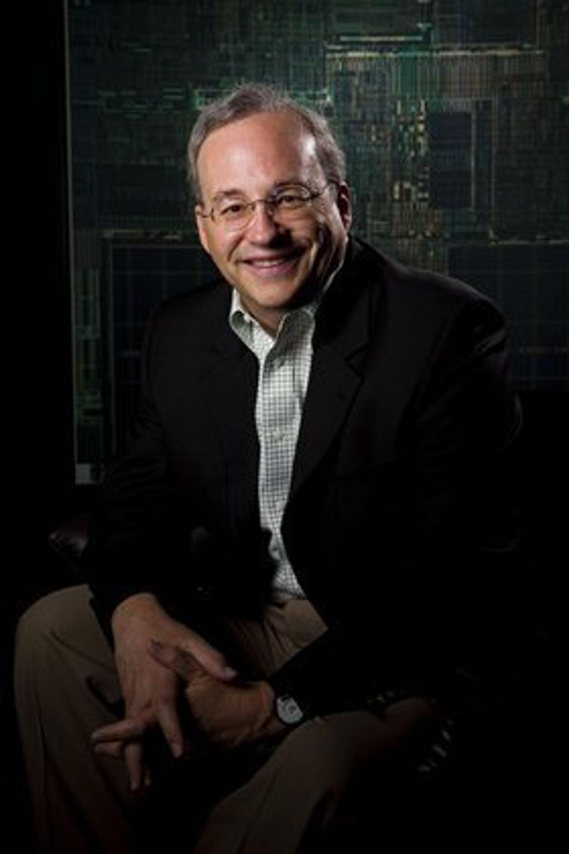 Etter 40 år som Intel-ansatt går Justin Rattner av som teknologidirektør. Men det kan være han kommer tilbake...