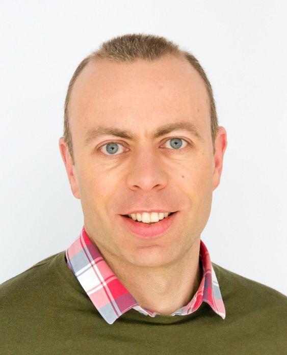 Norsk Regnesentral og sjefsforsker Anders Løland har utviklet en algoritme som beregner sannsynligheten for at kjøretøyet faktisk passerer en satellittbasert bomstasjon.