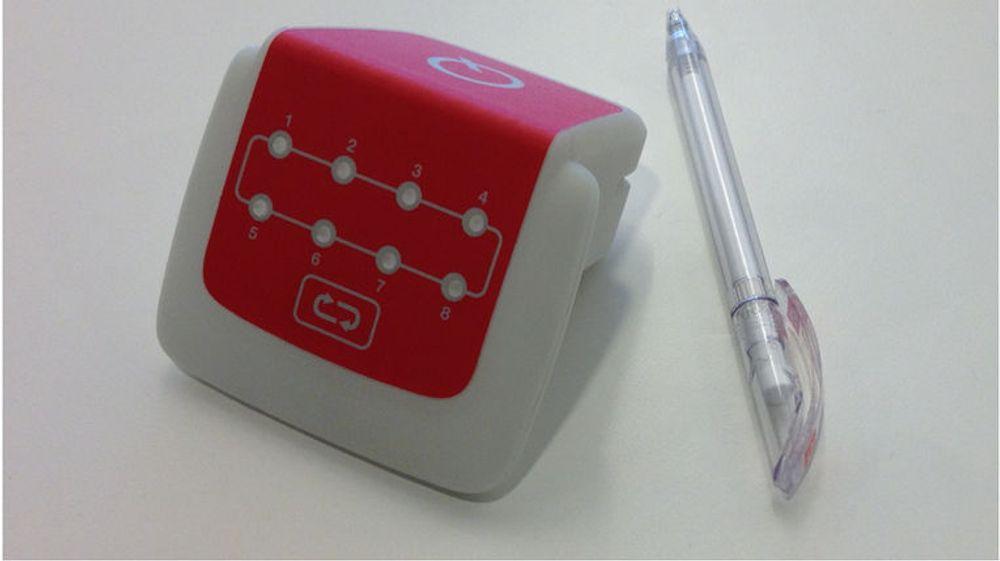 Q-Free og partnerne har kommet opp med en prototype  på en mindre bomregisteringsboks for GNSS-basert veiprising til bruk i yrkeskjøretøy.