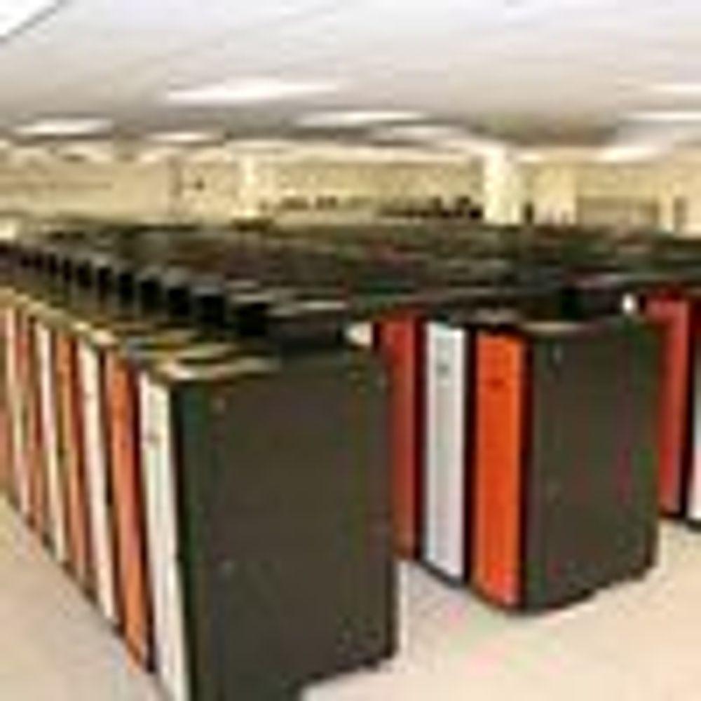 Kun Cray utfordrer IBM på supermaskintoppen