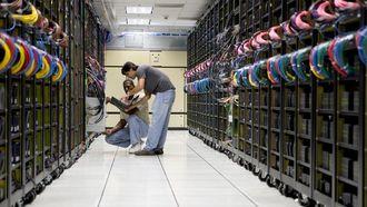 Fremveksten av store datasentraler og skyløsninger fører til færre datarom og mindre behov for IT-folk som drifter utstyr lokalt.