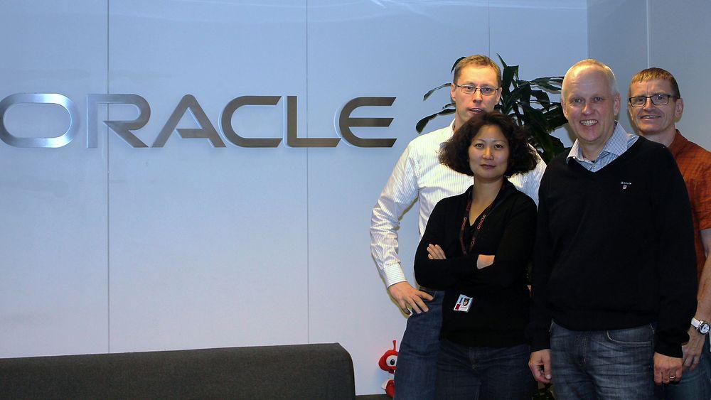 Store deler av ledergruppen for MySQL er samlet i Norge. Fra venstre ser vi Yngve Svendsen (Sr. Director, QA+Release Eng+Lab), Manyi Lu (Optimizer Dev. team lead), Geir Høydalsvik (Sr. Director, MySQL Server) og Ståle Deraas (Runtime Dev.  team lead).