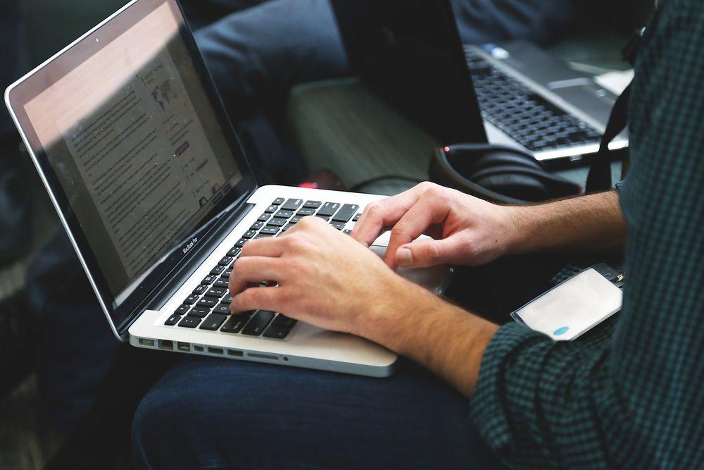 Avanade mener at med en ekte, digital arbeidsplass kan jobben gjøres like godt, uavhengig av hvor de ansatte befinner seg.