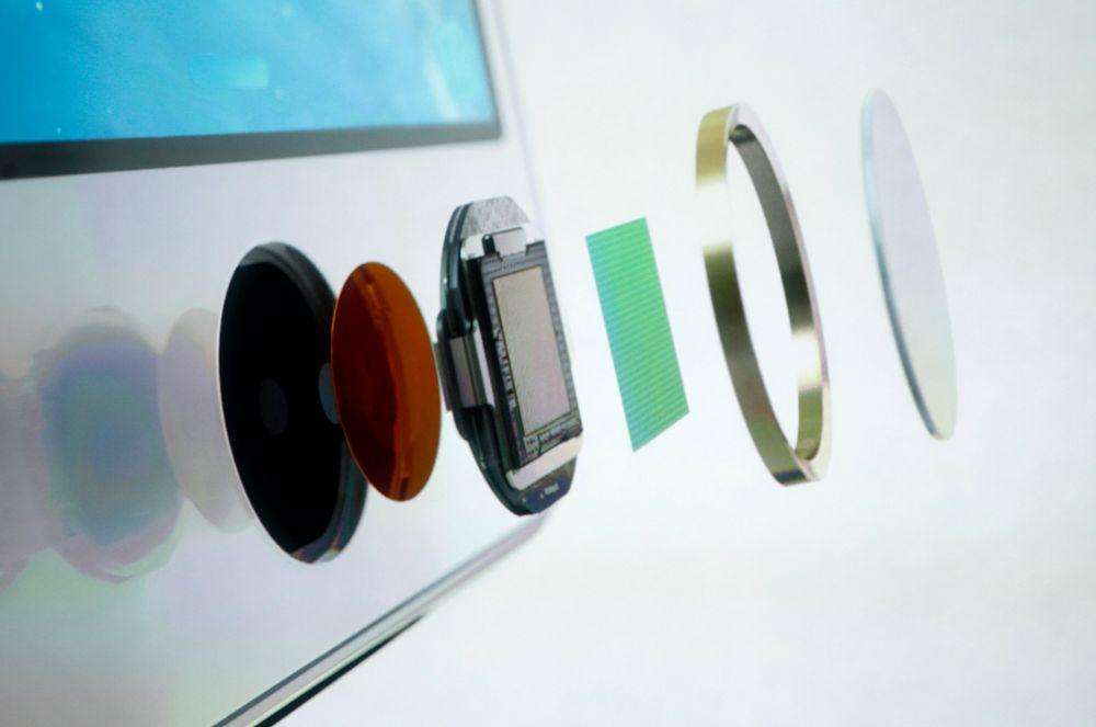 Det gjennomsiktige laget over fingeravtrykksleseren på iPhone er fremstilt av syntetisk safir. Det er også skjermen på Apple Watch, men ingen av disse er produsert av GT, som måtte søke konkursbeskyttelse.