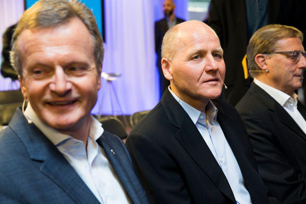 Jon Fredrik Baksaas (til venstre), her sammen med Telenors nye konsernsjef Sigve Brekke og den avgåtte styrelederen Svein Aaser.