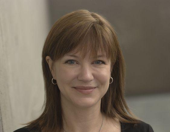 Julie Larson-Green var den mektigste kvinnen i Microsoft før hennes sjef sluttet. Nå tar hun over ansvaret for Microsoft.