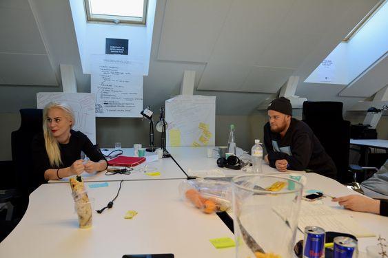 En app som kan hjelpe flyktninger å lære seg språket via oversettelser og gamification er blant konseptene som ble utviklet.