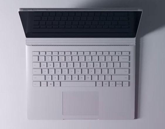 Microsoft skryter veldig av tastaturet og pekeflaten, samt kraften i Surface Book
