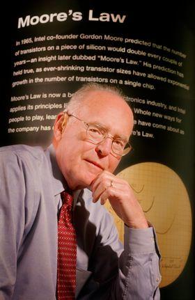 Gordon Moore i forbindelse med 40-årsjubileet til Moores lov.