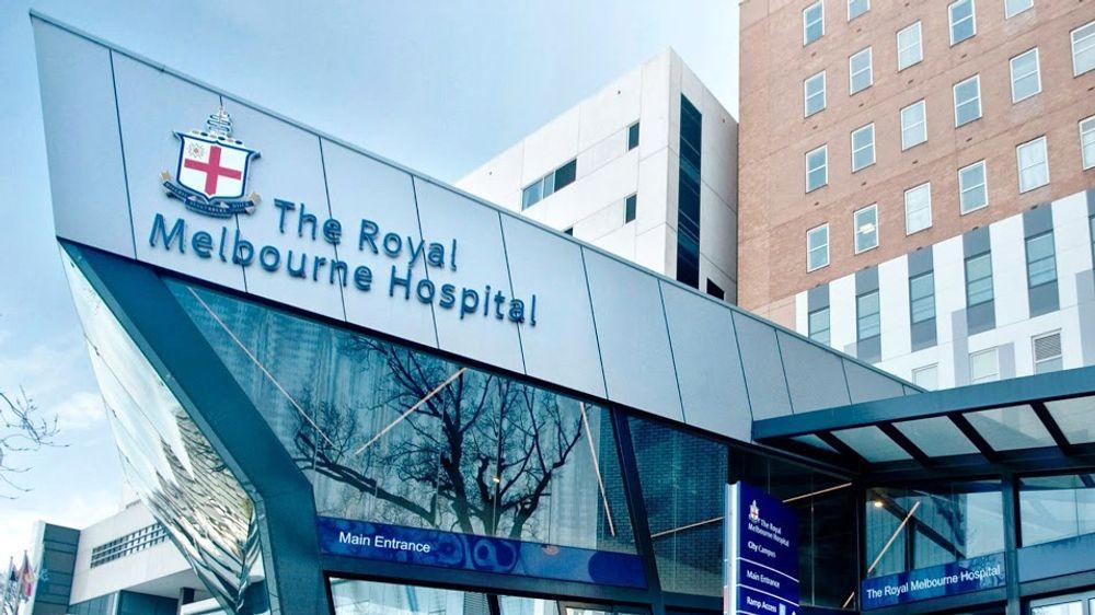 The Royal Melbourne Hospital i Australia har begynt å komme til hektene igjen etter et alvorlig skadevareangrep.