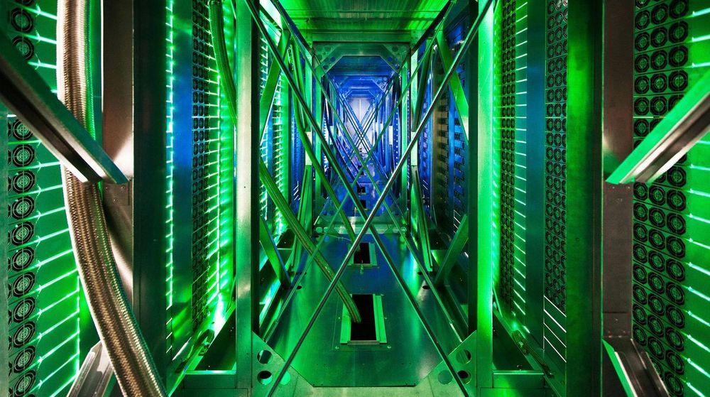 Norge håper å tiltrekke seg investeringer i store datasentre fra aktører som Facebook og Google. Bildet er fra Googles datasenter i Oklahoma.