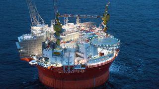 Historisk i Barentshavet: Nå kommer oljen fra Goliat strømmende