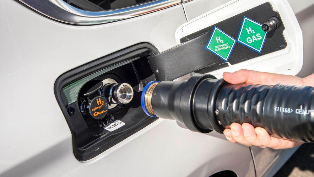 Ny rapport foreslår «elbilfordeler» til det er 50.000 hydrogenbiler på veien